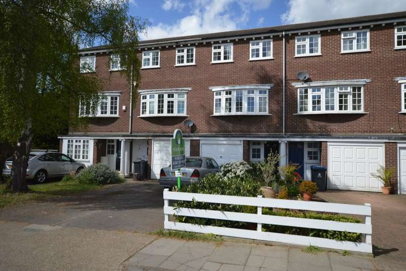 3 Bedrooms Property for sale in Alexandra Road, Kingston Upon Thames, KT2