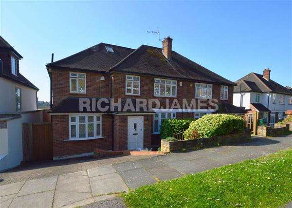 5 Bedrooms Semi Detached House for sale in The Reddings, Mill Hill