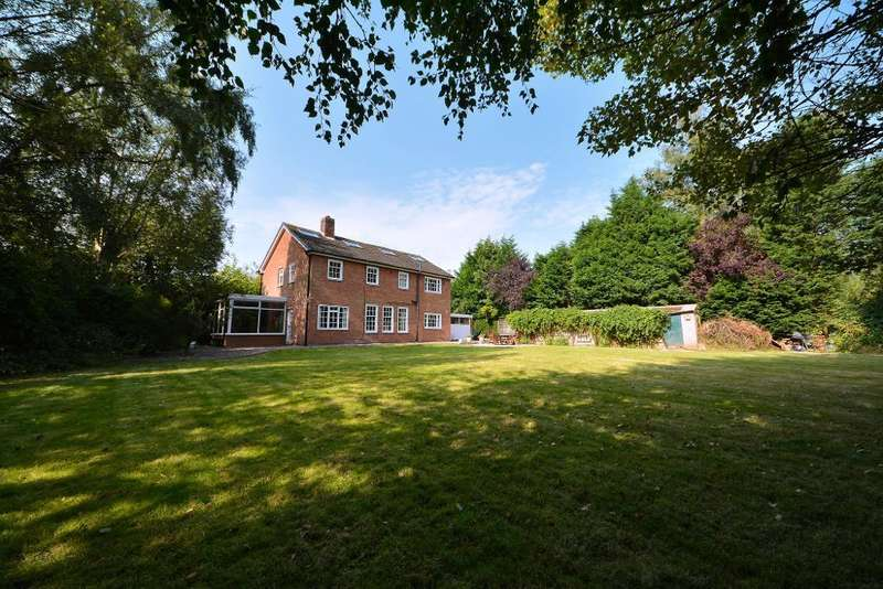 4 Bedrooms Detached House for sale in Beechwood Lane, Culcheth, Warrington, WA3 4HJ