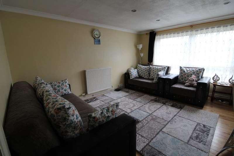 2 Bedrooms Flat for sale in Lansdowne Road, Tottenham, London, UK, N17 0NA