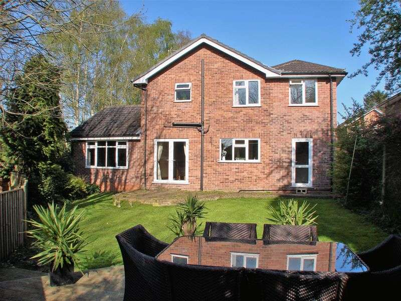 4 Bedrooms Detached House for sale in Brielen Road, Radcliffe on Trent