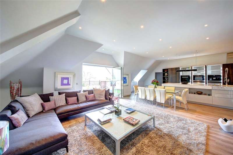 3 Bedrooms Flat for sale in Powell House, 96 Wimbledon Hill Road, London, SW19