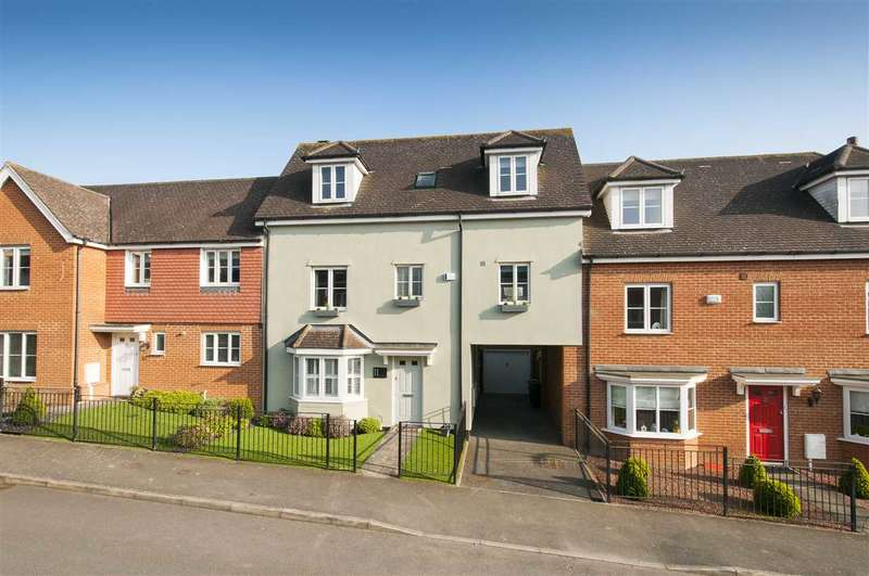 4 Bedrooms Terraced House for sale in Tatchell Drive, Charing