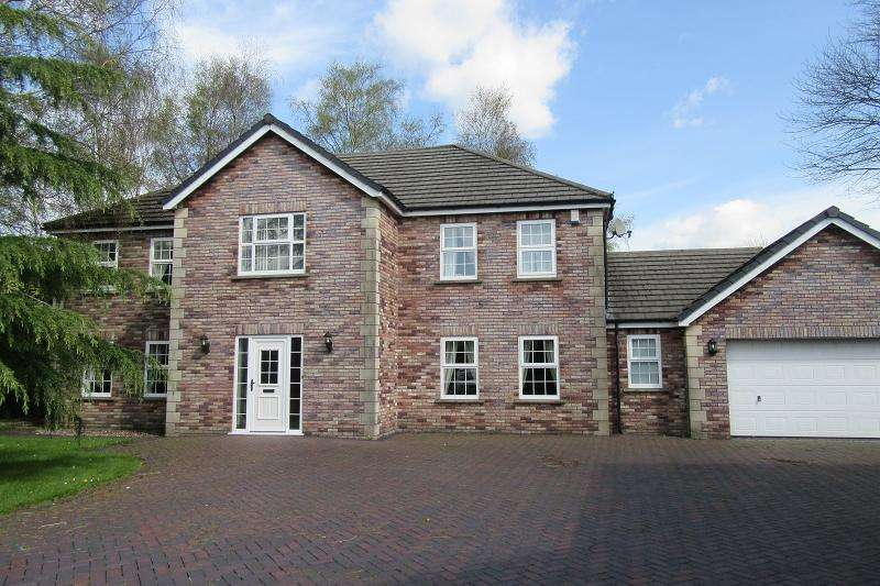 4 Bedrooms Detached House for sale in The Birches , Clydach, Swansea.