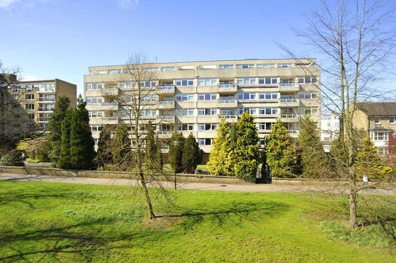 3 Bedrooms Apartment Flat for sale in Beech Grove, Harrogate