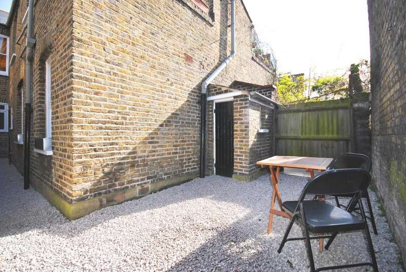 2 Bedrooms Flat for sale in Alberta Street Walworth SE17