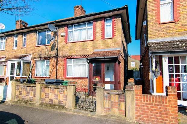 3 Bedrooms End Of Terrace House for sale in Wellesley Road, Walthamstow, London