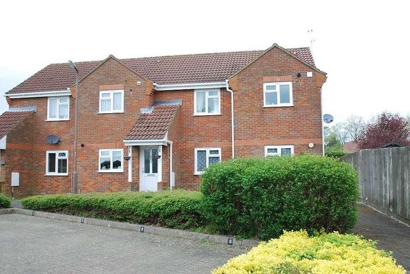 2 Bedrooms Maisonette Flat for sale in Pavilion Way, Little Chalfont, HP6