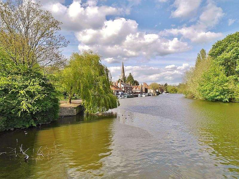 4 Bedrooms Town House for sale in Caldecott Road, Abingdon-on-Thames, OX14