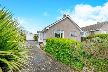 3 Bedrooms Bungalow for sale in Porth, Newquay, Cornwall