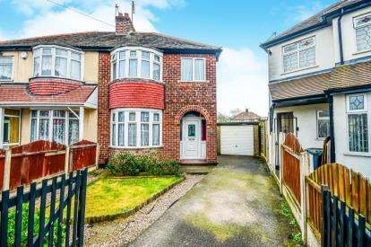 3 Bedrooms Semi Detached House for sale in Chester Close, Willenhall, West Midlands