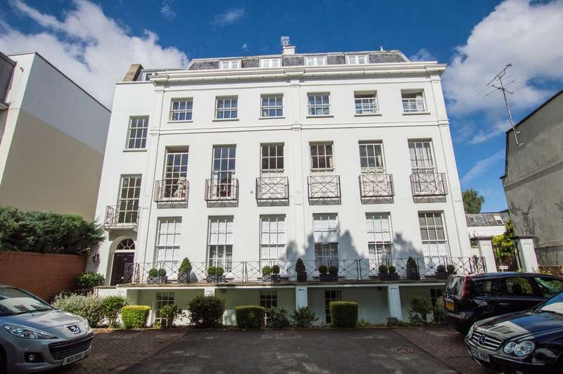 2 Bedrooms Flat for sale in Vittoria Walk, Cheltenham GL50 1TL