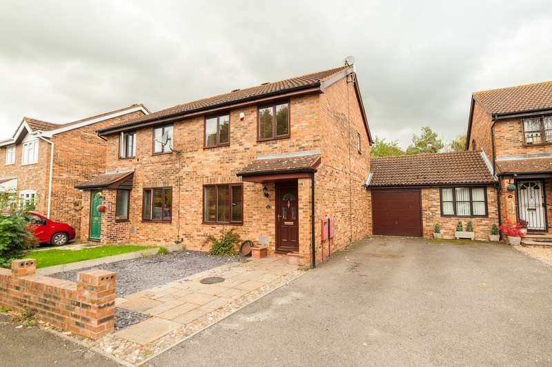3 Bedrooms Semi Detached House for sale in Chepstow Drive, Milton Keynes, Buckinghamshire, MK3