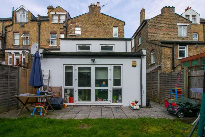 2 Bedrooms Detached House for sale in Gleneagle Road, London, London, SW16