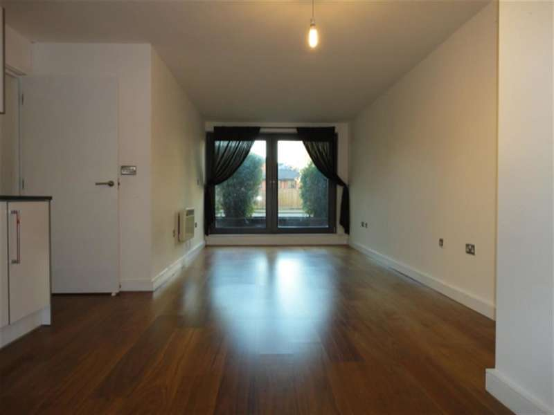 2 Bedrooms Flat for sale in High Street, Slough, Berkshire, SL1 1ER
