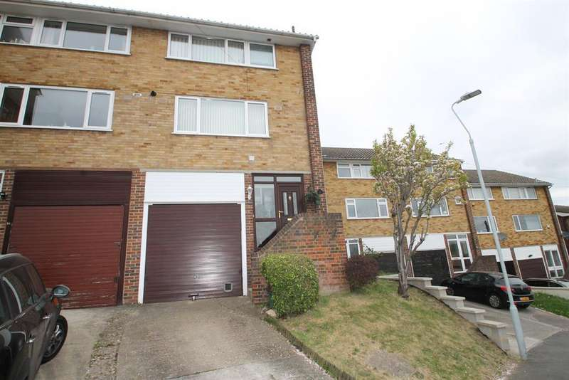 4 Bedrooms Town House for sale in Bramble Croft, Erith, Kent, DA8 1BX