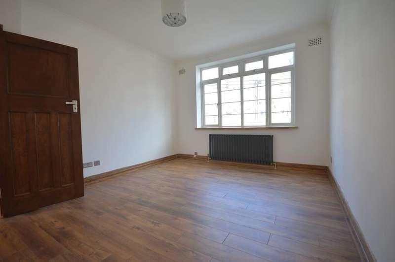 2 Bedrooms Flat for sale in Verdant Lane Catford SE6