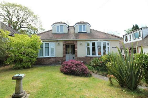 4 Bedrooms Detached Bungalow for sale in Caerphilly Close, Rhiwderin, Newport