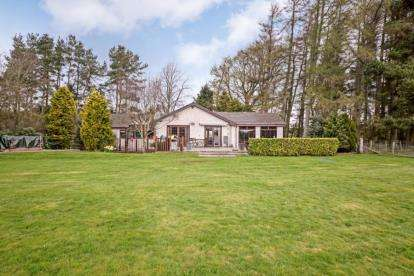 4 Bedrooms Bungalow for sale in Kersewell Avenue, Carnwath