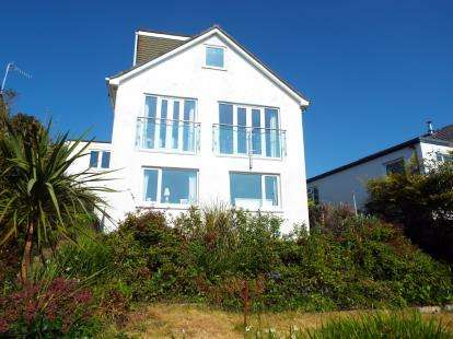 4 Bedrooms Detached House for sale in Looe, Cornwall