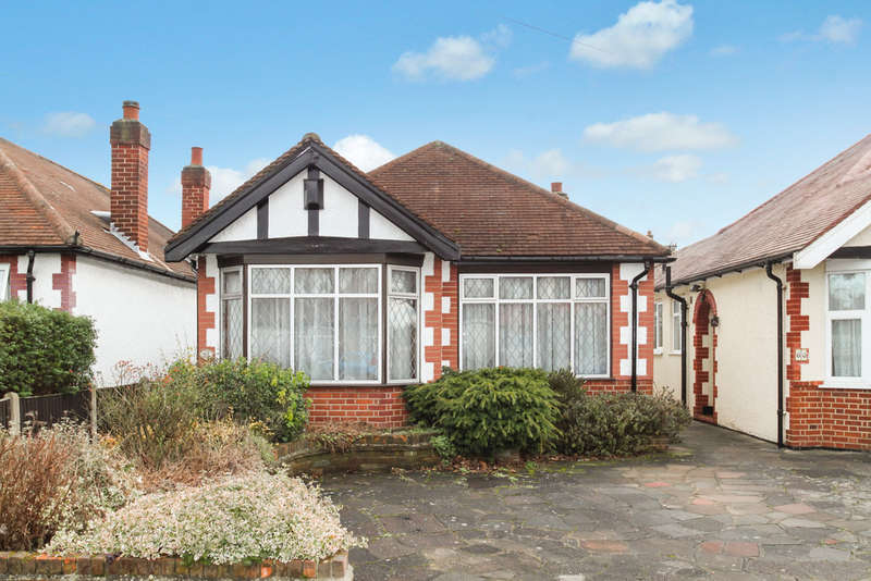 2 Bedrooms Detached Bungalow for sale in Greenfield Avenue, Surbiton