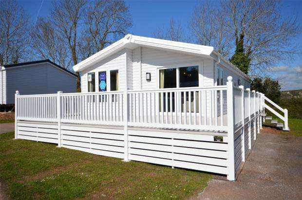 2 Bedrooms Detached Bungalow for sale in Golden Sands Holiday Park, Warren Road, Dawlish Warren, Devon