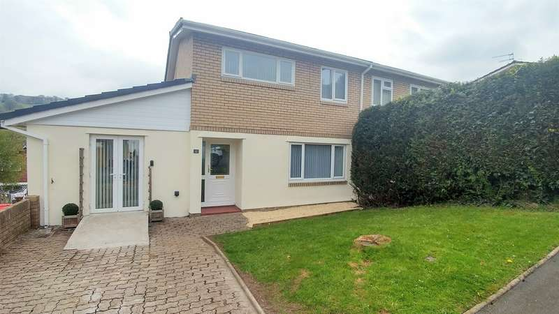 3 Bedrooms Semi Detached House for sale in Bryngwennol, Llanbradach, Caerphilly