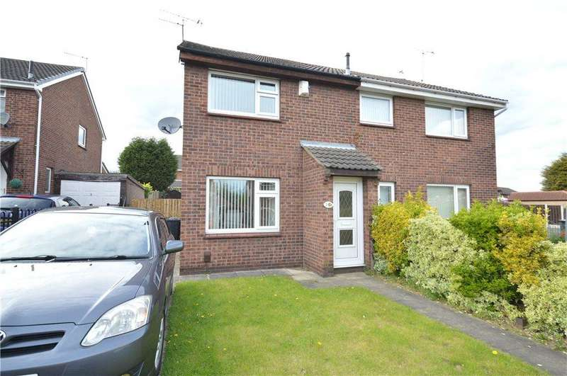 2 Bedrooms Semi Detached House for sale in Grange Fields Road, Leeds