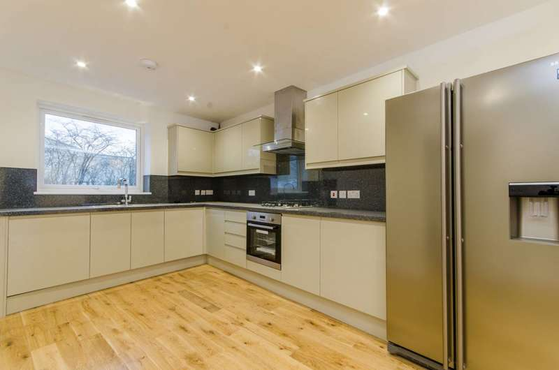 5 Bedrooms House for sale in Great Cambridge Gardens, Enfield, EN1