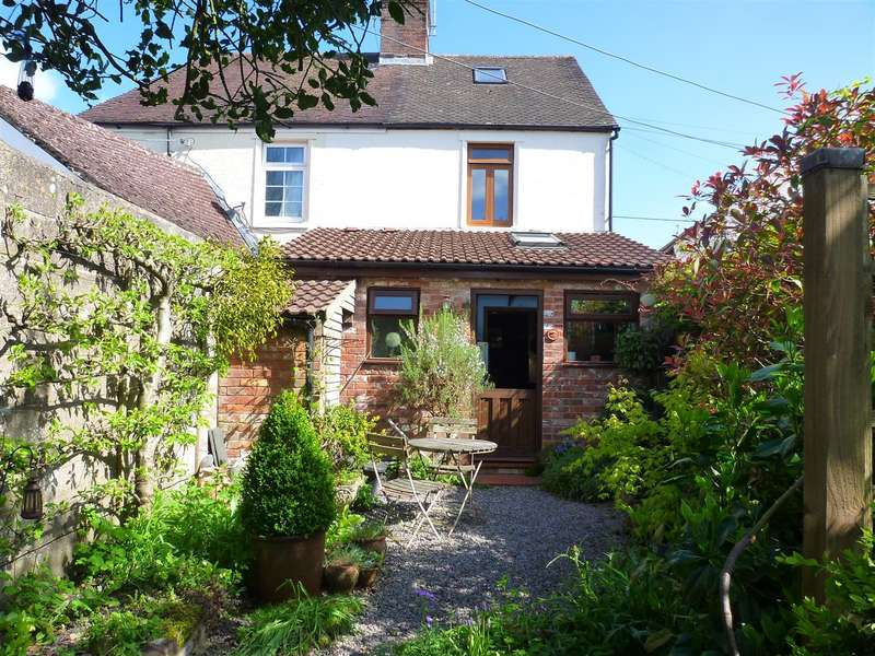 2 Bedrooms Property for sale in Warminster