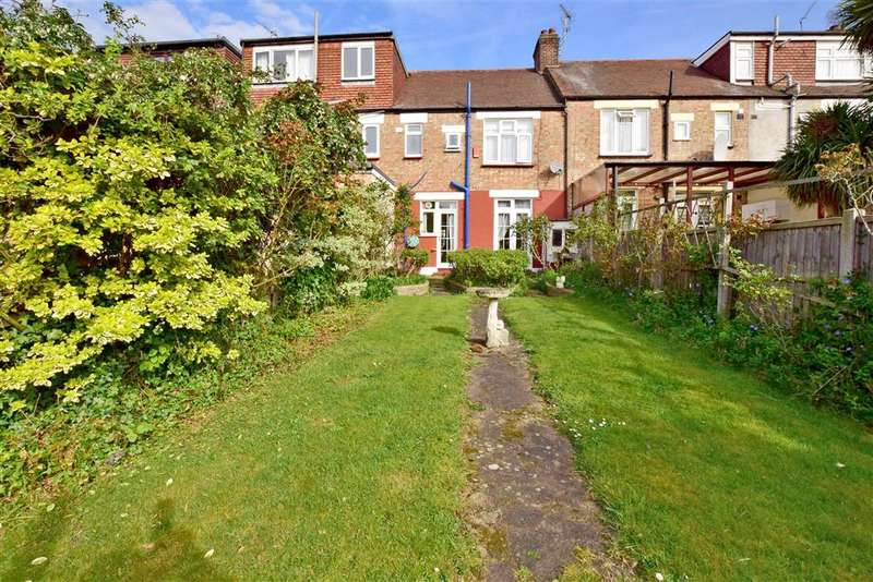 3 Bedrooms Terraced House for sale in Normanshire Drive, Chingford