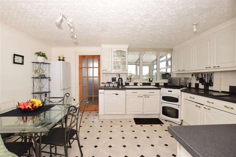 3 Bedrooms Semi Detached House for sale in Waterdales, Northfleet, Gravesend, Kent