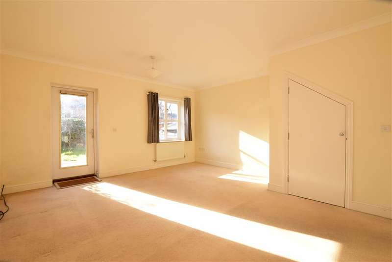 3 Bedrooms Terraced House for sale in Knowle Avenue, Knowle, Fareham, Hampshire