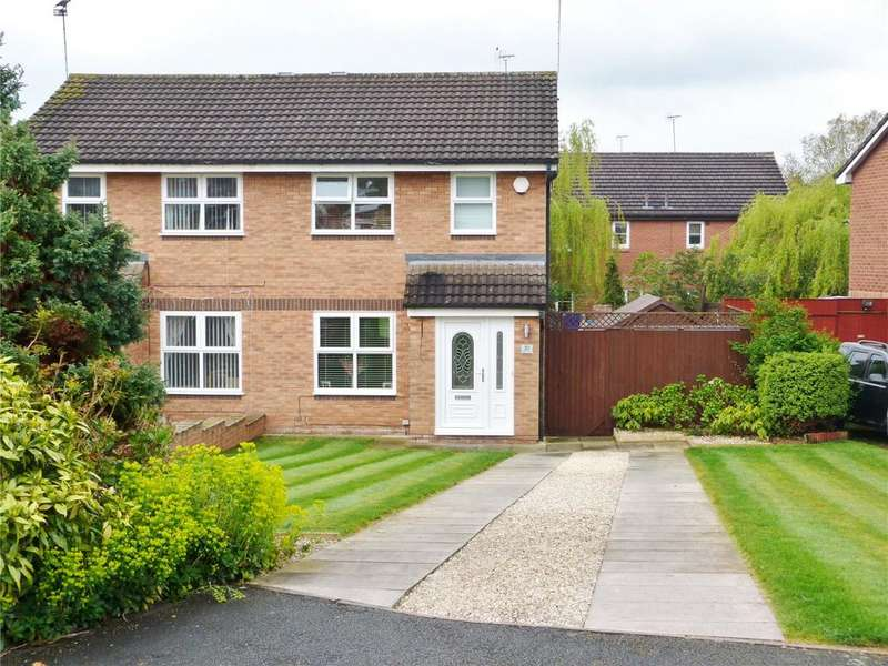 3 Bedrooms Semi Detached House for sale in Kinloch Close, Crewe, Cheshire, CW1
