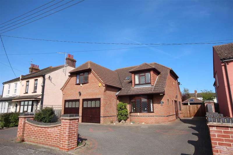 4 Bedrooms Detached House for sale in D'arcy Road, St. Osyth