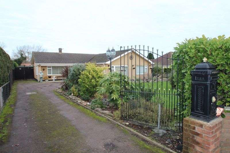 4 Bedrooms Detached Bungalow for sale in Rollesby, NR29