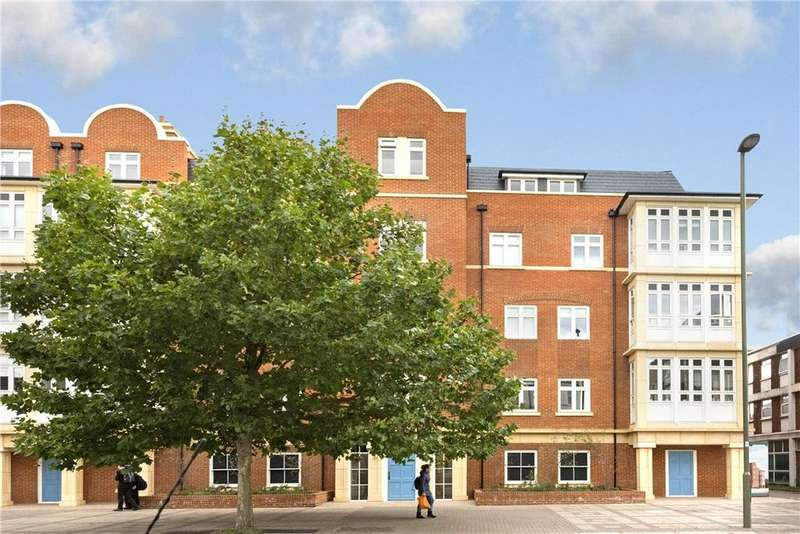 2 Bedrooms Flat for sale in High Road, Finchley, London, N12