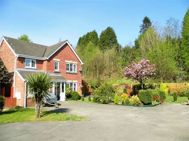 4 Bedrooms Detached House for sale in Cwm Felin, Blackmill, Bridgend, Mid Glamorgan