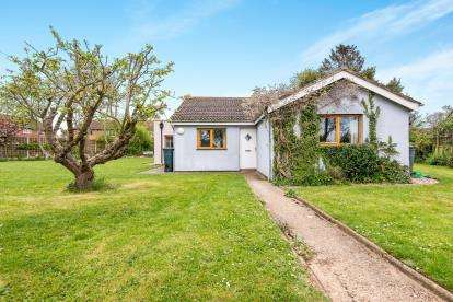 4 Bedrooms Bungalow for sale in Wymondham, Norfolk, N/A