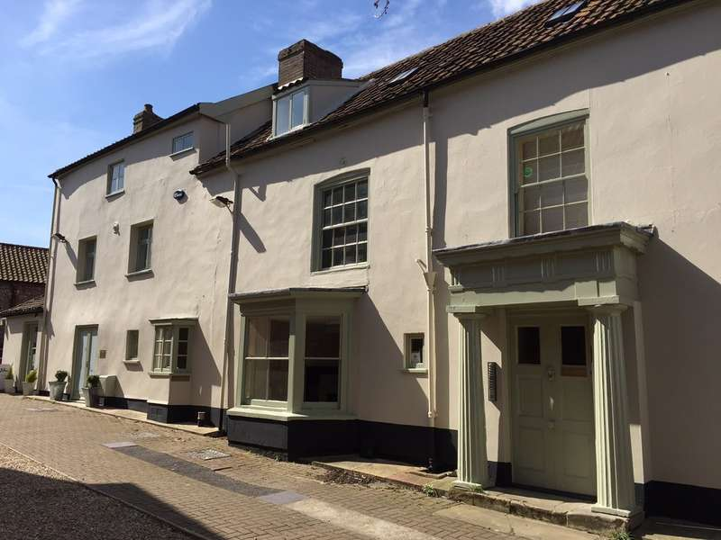 Town House for sale in High Street, Holt