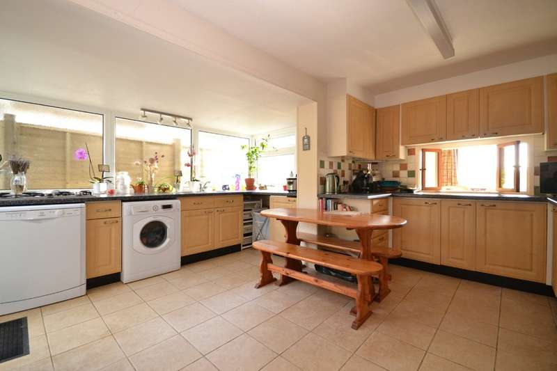 4 Bedrooms Detached Bungalow for sale in Porchfield, Isle Of Wight