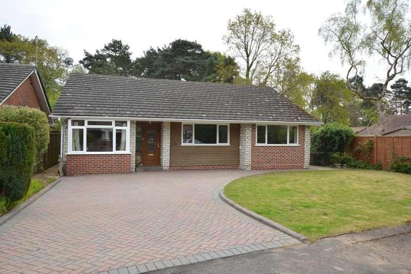 4 Bedrooms Detached Bungalow for sale in Ferndown