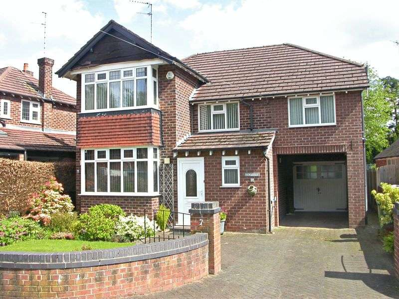4 Bedrooms Detached House for sale in POYNTON ('YOREDALE' BROOKFIELD AVENUE)