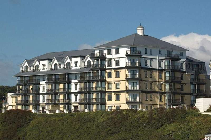 2 Bedrooms Apartment Flat for sale in Kensington Place, Onchan, IM3 1HL
