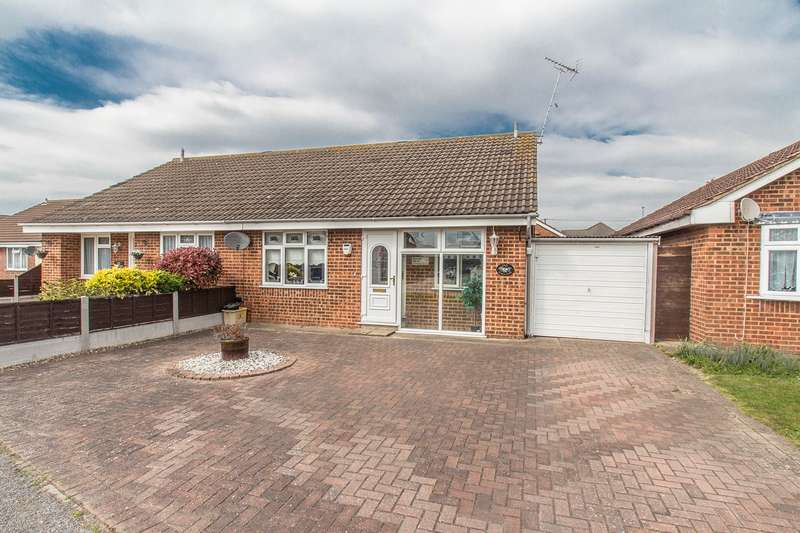 2 Bedrooms Semi Detached Bungalow for sale in Sussex Close, Canvey Island, SS8
