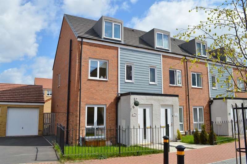 3 Bedrooms Town House for sale in Crimdon Beck Close, Stockton-on-Tees, TS18 2QH