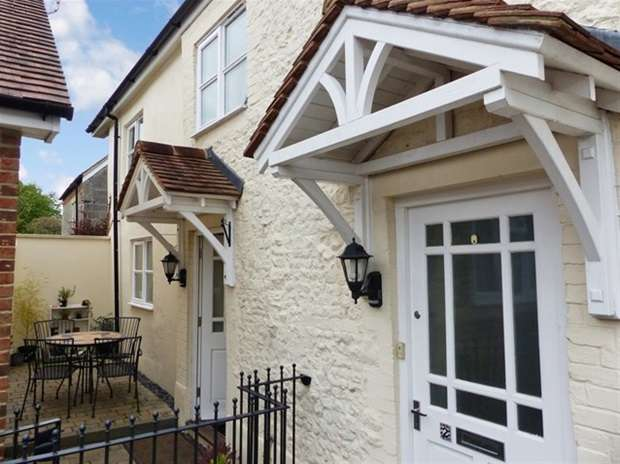 3 Bedrooms Terraced House for sale in Church Street Mews, Warminster