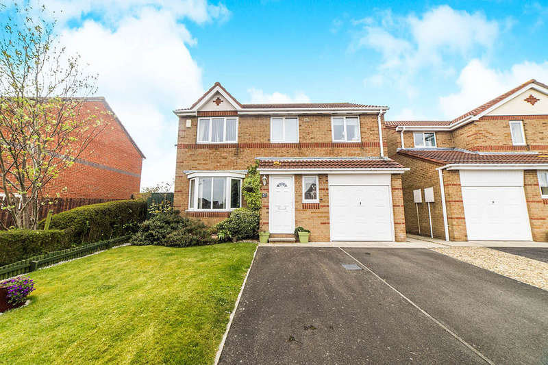 4 Bedrooms Detached House for sale in Conway Close, Ryton, NE40