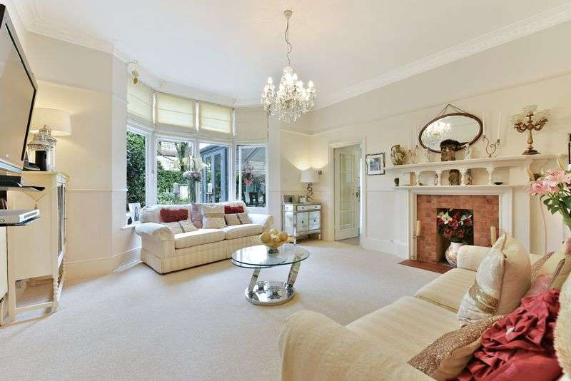 2 Bedrooms Flat for sale in Tooting Bec Gardens, London