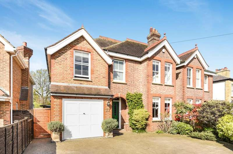 4 Bedrooms Semi Detached House for sale in Cross Road Bromley BR2